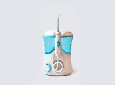 ¿Es bueno usar irrigador dental?
